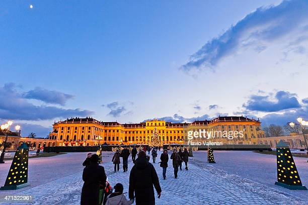Walkway to Schönbrunn Palace, Vienna