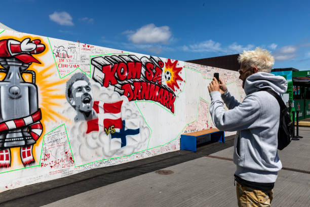 DNK: Fans Leave Messages in Support of Christian Eriksen