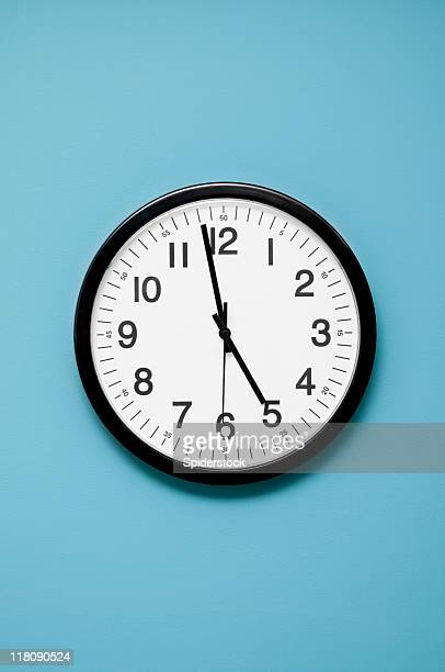 wall clock - klok stockfoto's en -beelden