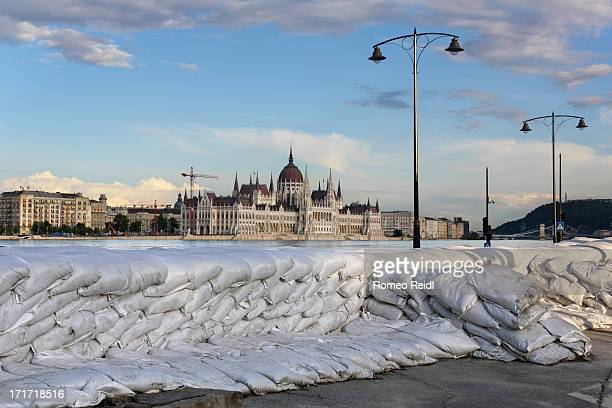 Wall from sandbags built as a protection against the flooding of the river Danube on the closed Bem wharf at the foot of the Margaret bridge in...