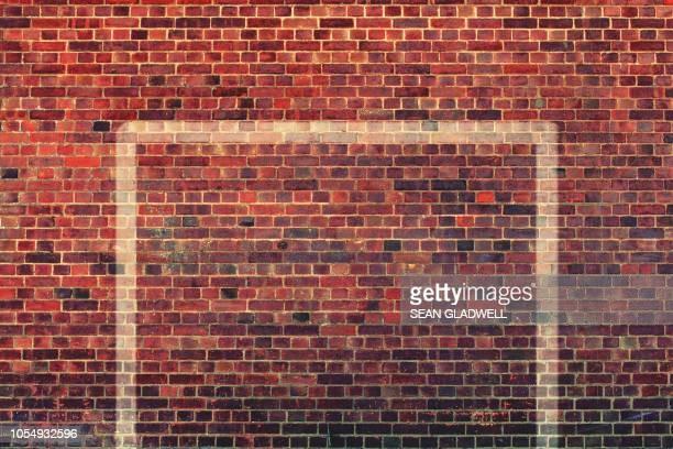 wall goal - goal post stock pictures, royalty-free photos & images