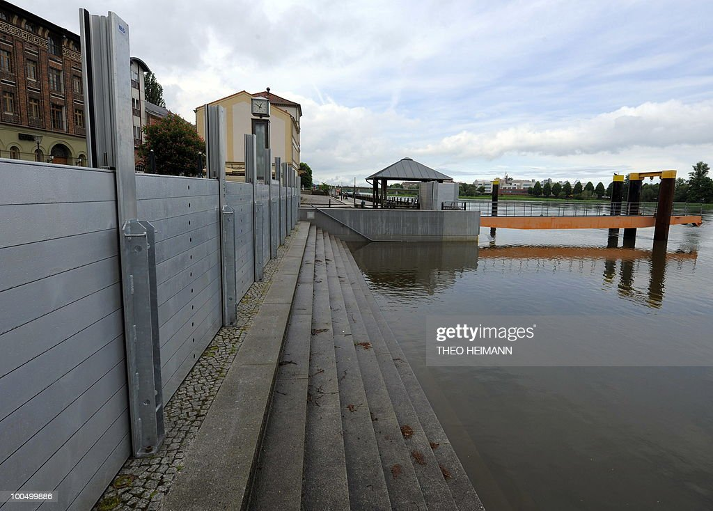 A wall is erected against the floods of the Oder river on May 24, 2010 in Frankfurt/Oder near the Polish German border. Public authorities expect the highest level of the flood wave to come to Germany on Wednesday or Thursday. The death toll from flooding in Poland rose to 15 Monday as torrential rain swelled major rivers to levels unseen in more than a century and rescuers from across Europe battled to prevent further tragedy.