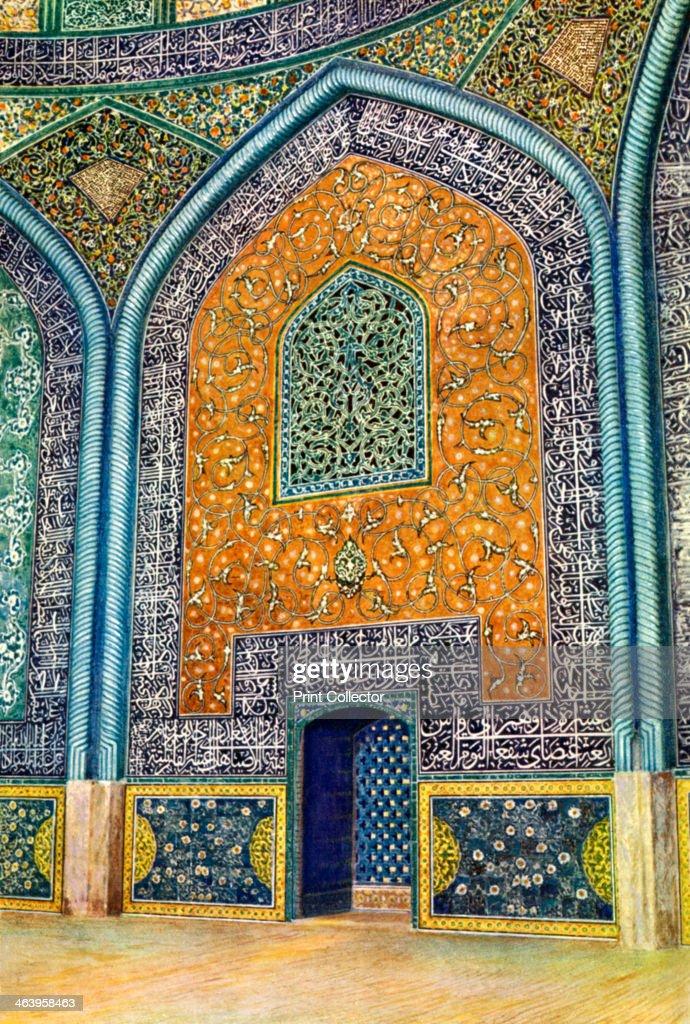 Wall panel in the mosque of Sheikh Lutfullah, Isfahan, Iran, 1931.Artist: Harold E Hare : ニュース写真