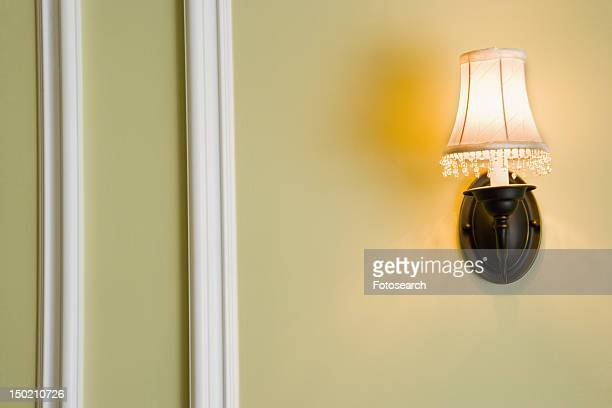 Wall sconce with lampshade