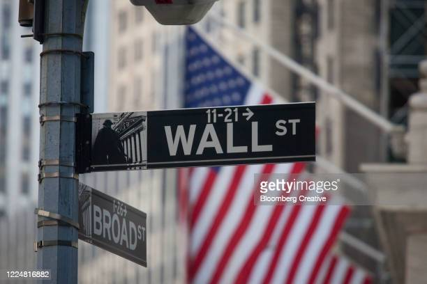 wall street sign - wall street stock-fotos und bilder