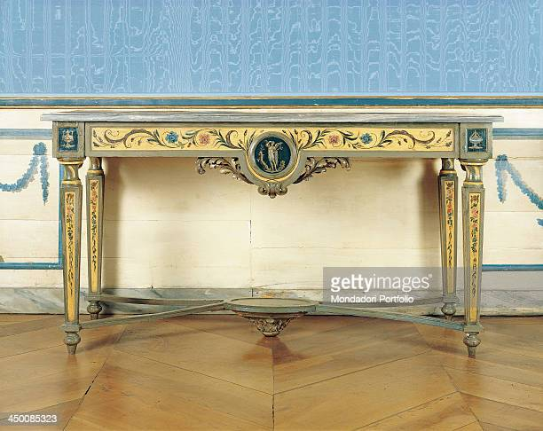 Wall table by piedmontese manifactory 18th Century wood painted