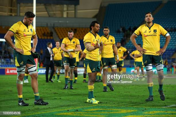 Wallabies players look dejected after losing The Rugby Championship match between the Australian Wallabies and Argentina Pumas at Cbus Super Stadium...