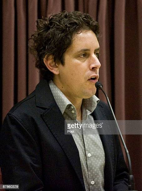 Wallace Chapman gives evidence during the tests during the continuation of David Bain's retrial at Christchurch High Court on May 20 2009 in...