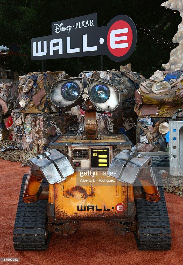 World Premiere of Disney-Pixar's Wall-E - Arrivals : News Photo