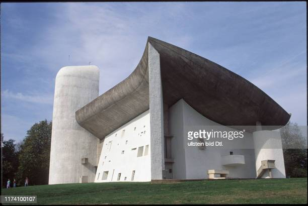 """Wallfahrtskirche """"Notre-Dame-du-Haut"""", Ronchamp 1990"""