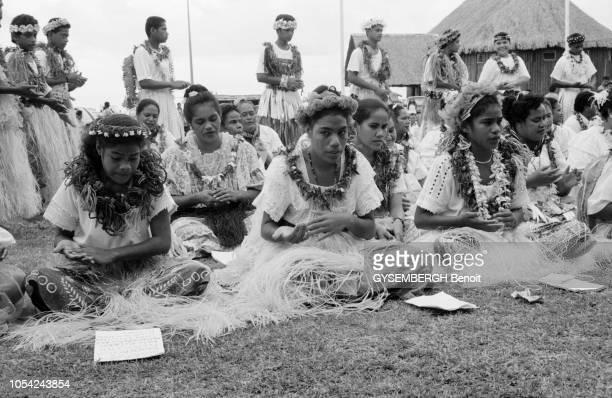 Wallis 1996 L'archipel de WallisetFutuna territoire d'outremer français situé dans l'hémisphère sud composé de trois îles principales Wallis Futuna...