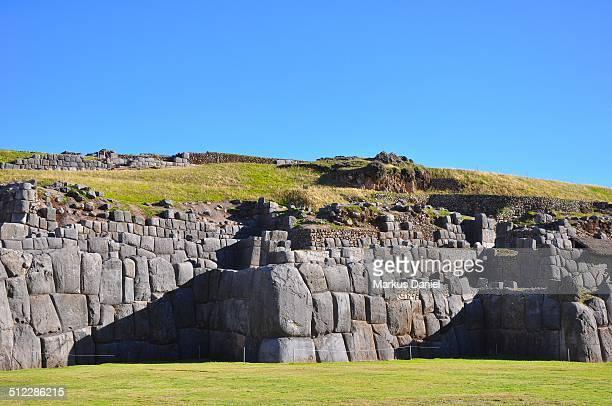 "walls and stones of sacsayhuaman, cusco, peru - ""markus daniel"" fotografías e imágenes de stock"