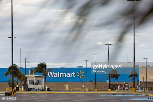 A WalMart de Mexico SAB de CV stands in Veracruz Mexico on Sunday Jan 8 2017 Mexico's National Association Of Retail And Department Stores says that...