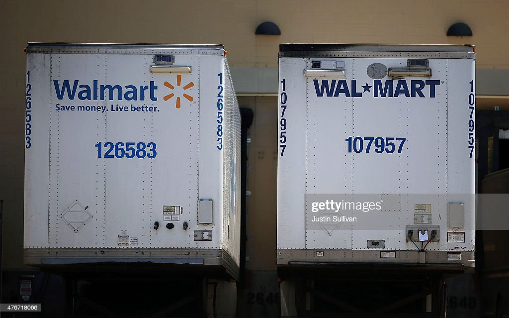 Wal-Mart truck trailers sits parked in the loading dock of a Wal-Mart store on June 11, 2015 in San Leandro, California. A federal judge has ruled that Wal-Mart failed to pay the California minimum wage to truck drivers and could have to pay $100 million in back pay.