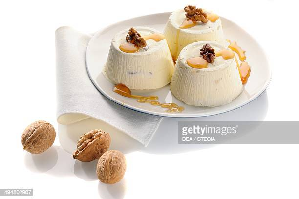 Walnuts and honey semifreddo