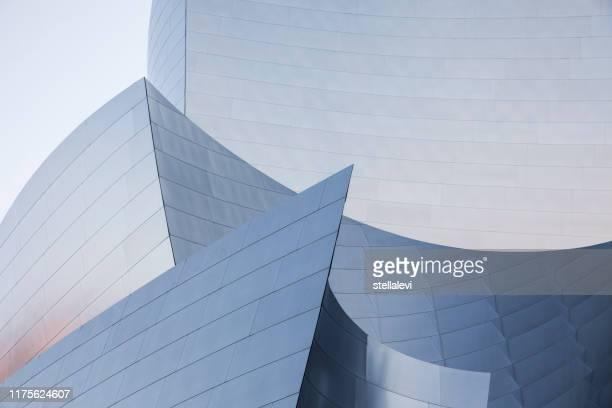 walt disney concert hall architecture detail - walt disney concert hall stock pictures, royalty-free photos & images