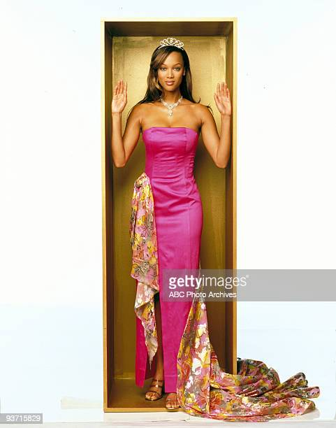 "Walt Disney Television via Getty Images MOVIE FOR TV - ""Life-Size"" - 3/5/00, A widower's daughter accidentally brings her Eve doll to life as the..."