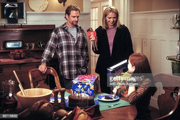 Walt Disney Television via Getty Images MOVIE FOR TV LifeSize 3/5/00 Widower Ben Stuart's daughter Casey accidentally brings her Eve doll to life...