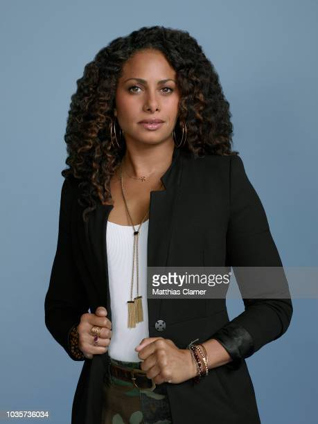 THINGS ABC's A Million Little Things stars Christina Moses as Regina