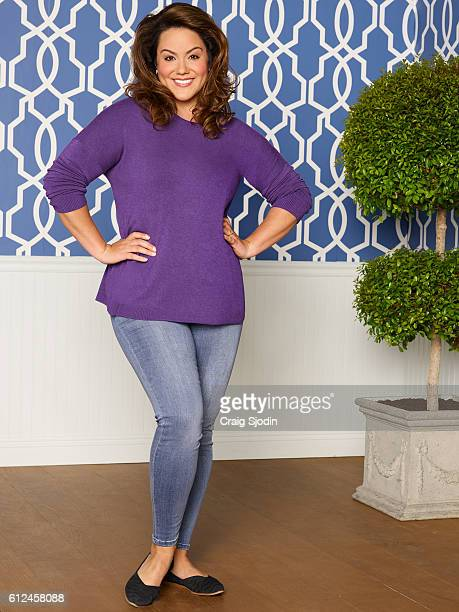 HOUSEWIFE Walt Disney Television via Getty Images's American Housewife stars Katy Mixon as Kate
