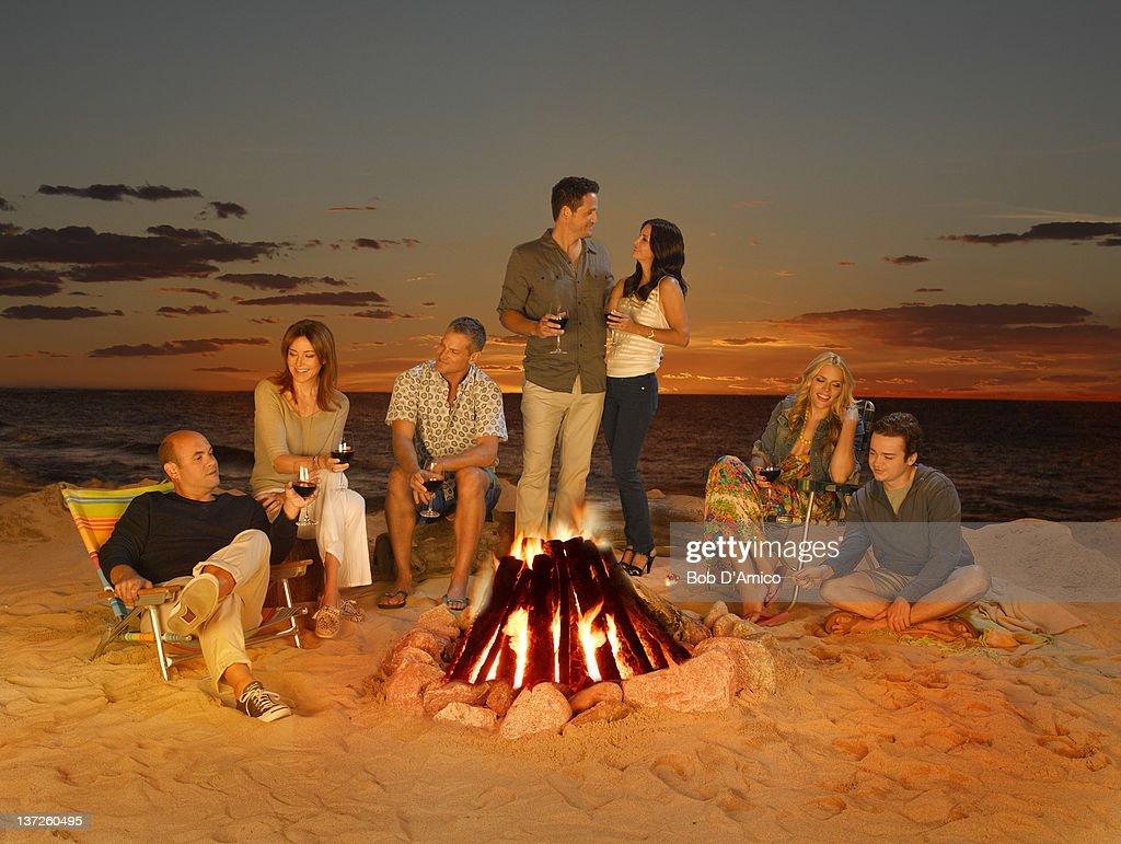 """ABC's """"Cougar Town"""" - Gallery Season Two : Nachrichtenfoto"""