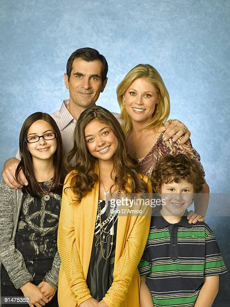 "Walt Disney Television via Getty Images's ""Modern Family"" stars Ariel Winter as Alex, Ty Burrell as Phil, Sarah Hyland as Haley, Julie Bowen as..."