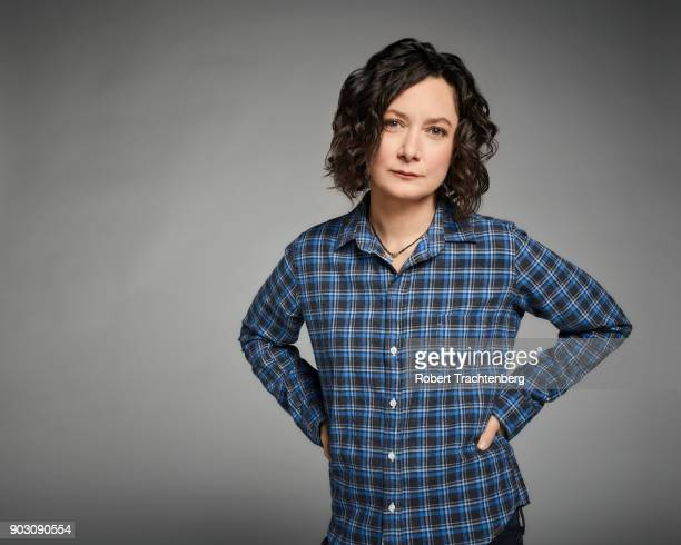 ROSEANNE Walt Disney Television via Getty Images's Roseanne stars Sara Gilbert as Darlene Conner