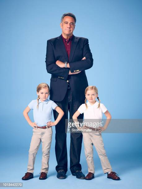 PARENTS ABC's Single Parents stars Ella Allan as Amy Brad Garrett as Douglas and Mia Allan as Emma