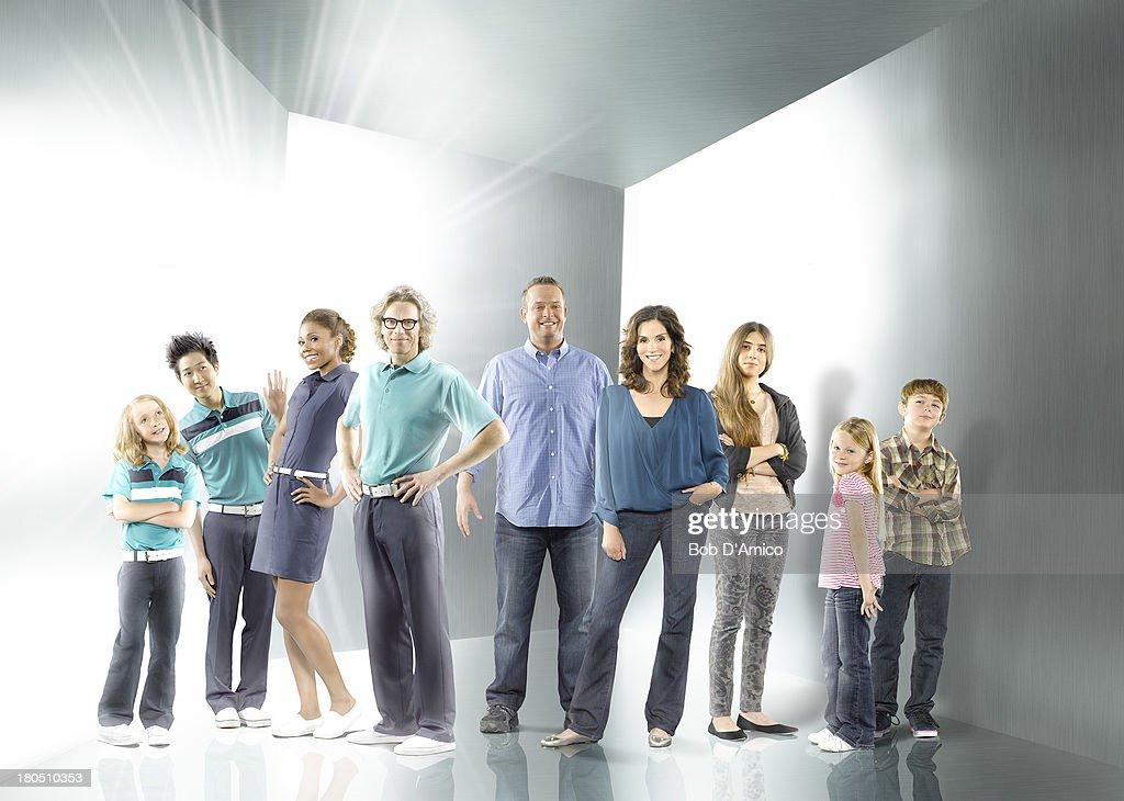 "ABC's ""The Neighbors"" - Season Two : Nieuwsfoto's"