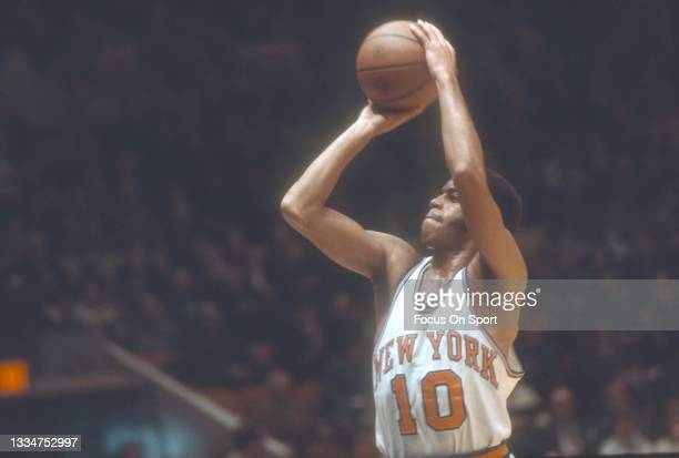 Walt Frazier of the New York Knicks shoots during an NBA basketball game circa 1978 at Madison Square Garden in the Manhattan borough of New York...