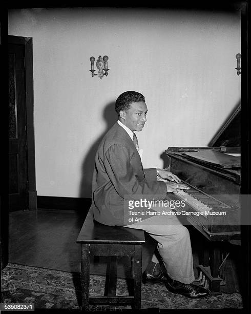Walt Harper playing piano in Loendi Club Pittsburgh Pennsylvania 1942