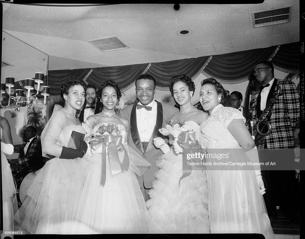 Walt Harper And Debutants : News Photo
