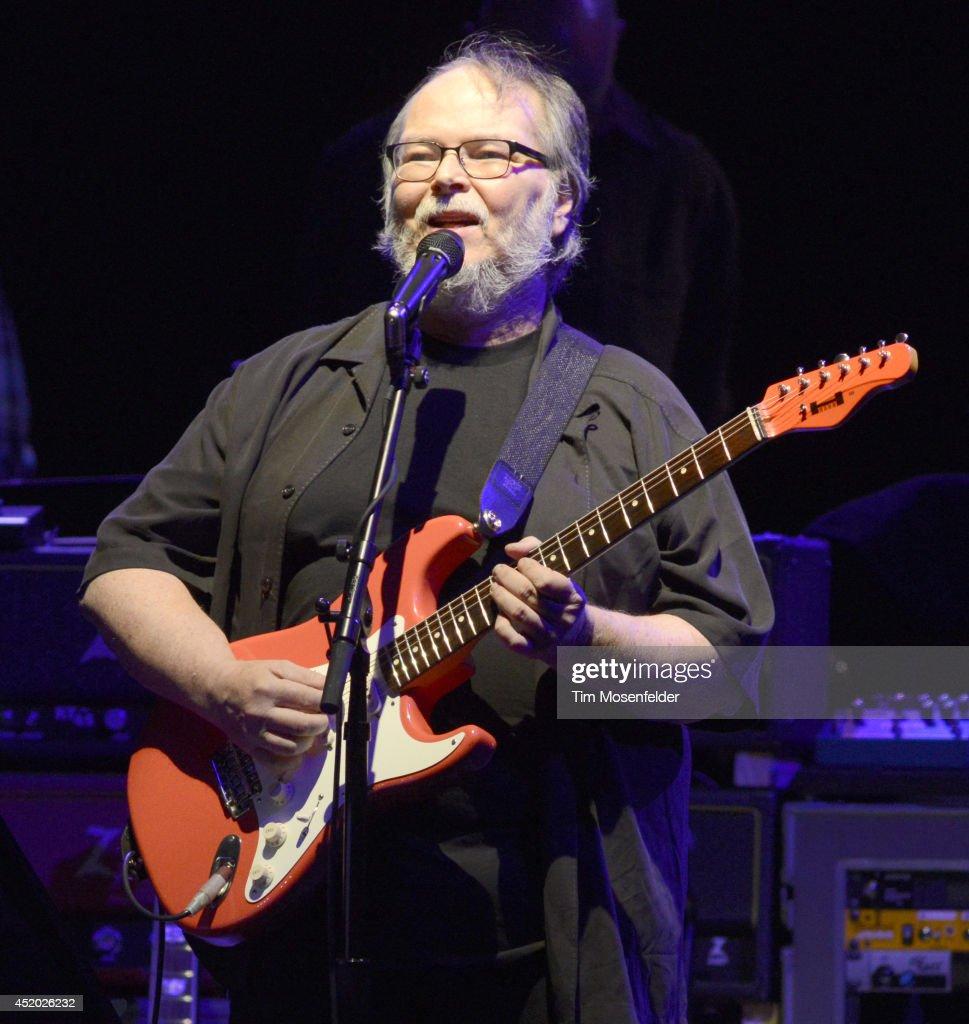 Steely Dan In Concert - Concord, CA