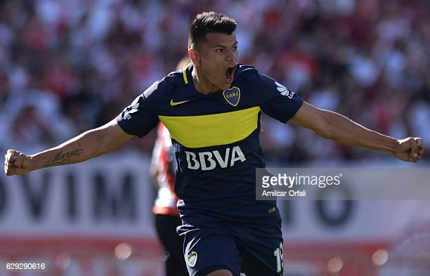 Walter Bou of Boca Juniors celebrates after scoring during a match between River Plate and Boca Juniors as part of Torneo Primera Division 2016/17 at...