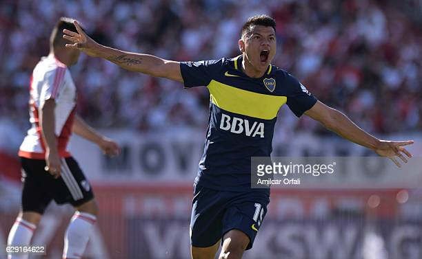 Walter Bou of Boca Juniors celebrates after scoring the first goal of his team during a match between River Plate and Boca Juniors as part of Torneo...