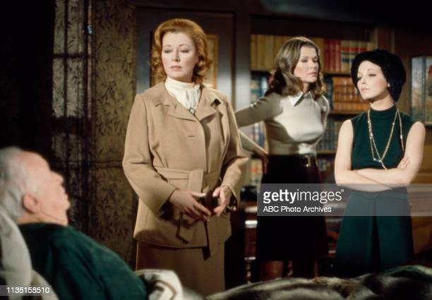 Walter Brennan Eleanor Parker Jessica Walter Jill Haworth appearing in the Walt Disney Television via Getty Images tv movie 'Home for the Holidays'