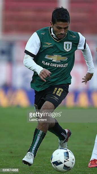 Walter Erviti of Banfield drives the ball during a match between San Lorenzo and Banfield as part of Torneo Transicion 2016 at Pedro Bidegain Stadium...