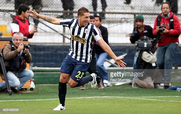 Walter Ibañez of Alianza Lima celebrates after scoring the opening goal against Sporting Cristal during a match between Alianza Lima and Sporting...