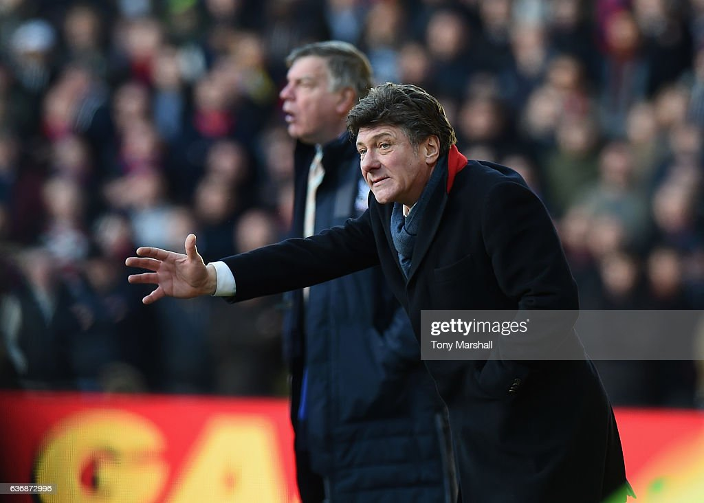 Watford v Crystal Palace  - Premier League : ニュース写真