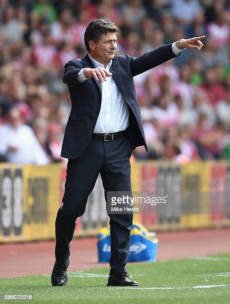 Walter Mazzarri Manager of Watford reacts during the Premier League match between Southampton and Watford at St Mary's Stadium on August 13 2016 in...