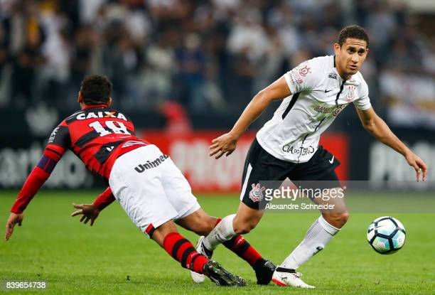 Walter of Atletico GO and Pablo of Corinthians in action during the match between Corinthians and Atletico GO for the Brasileirao Series A 2017 at...