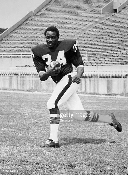 Walter Payton is a flashy tailback from predominantly black Jackson State College with a lifelong desire to play professional football and working...