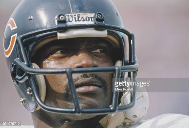 Walter Payton Running Back for the Chicago Bears during his final game in the American Football Conference West game against the Los Angeles Raiders...