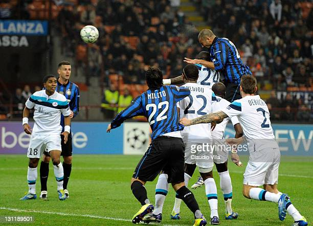 Walter Samuel of FC Inter Milan scores the opening goal during the UEFA Champions League group B match between FC Internazionale Milano and LOSC...