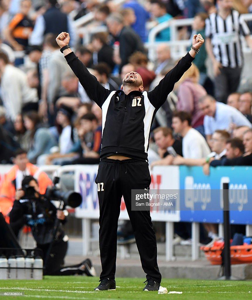 Newcastle United v Wolverhampton Wanderers - Sky Bet Championship
