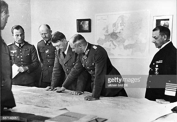 Walther von BrauchitschWalther von BrauchitschWilhelm Keitel Adolf Hitler Alfred JodlErich RaederErich Raeder Politiker NSDAP D Führerhauptquartier...