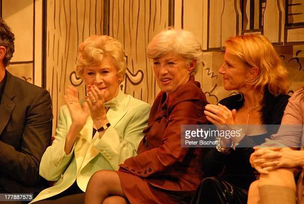 Waltraut Haas, Tochter Nicole Heesters, Enkelin Wiesje Herold , Geburtstagsfeier zum 105. Geburtstag von J o h a n n e s H e e s t e r s , nach...