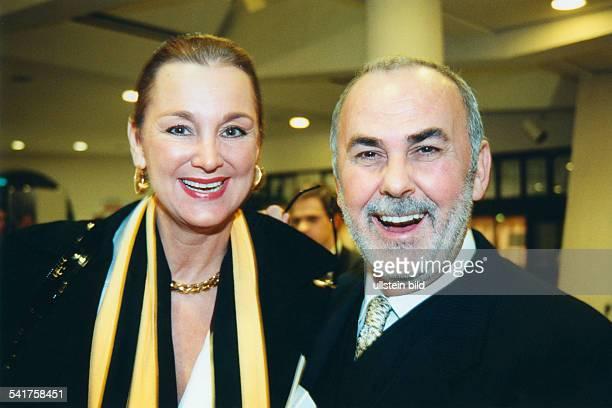 Walz Udo *Friseur D mit Anja Hauptmann bei der 6 Verleihung des BZKulturpreises im Kammermusiksaal