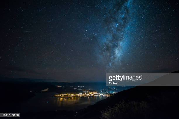 wanaka under milky way - southern hemisphere stock photos and pictures