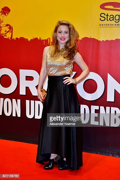 Wanda Perlewitz attends the red carpet at the Hinterm Horizont Musical premiere at Stage Operretenhaus on November 10 2016 in Hamburg Germany